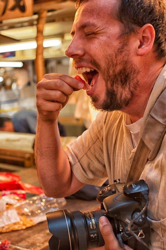 Jarvie Eats Tuna Sashimi