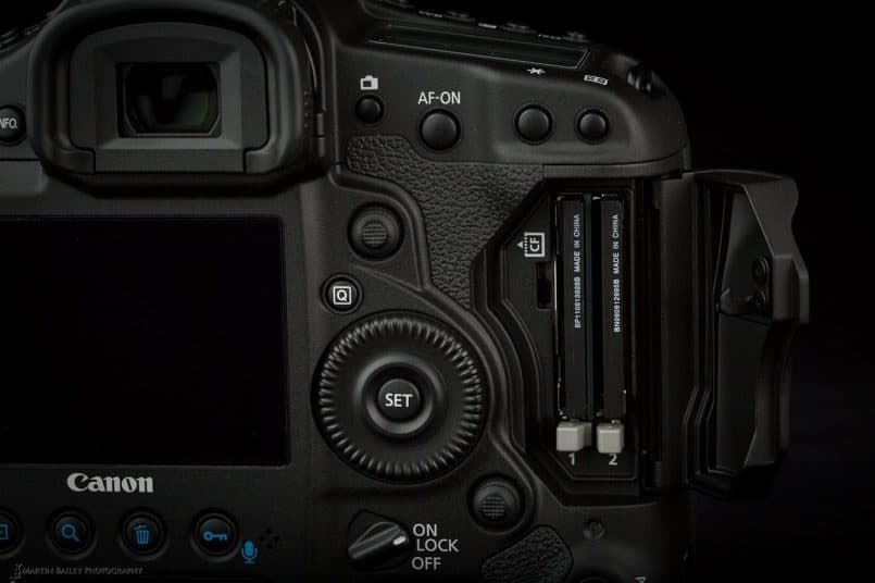 Canon EOS 1D X - Two CF Card Slots