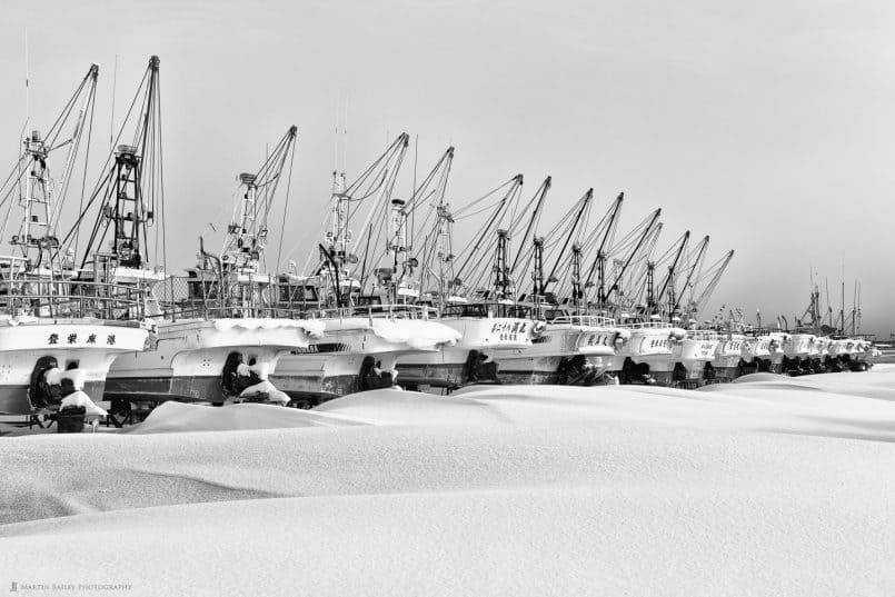 "Fishing Boats with Snow ""Fuumon"" Wind Patterns"