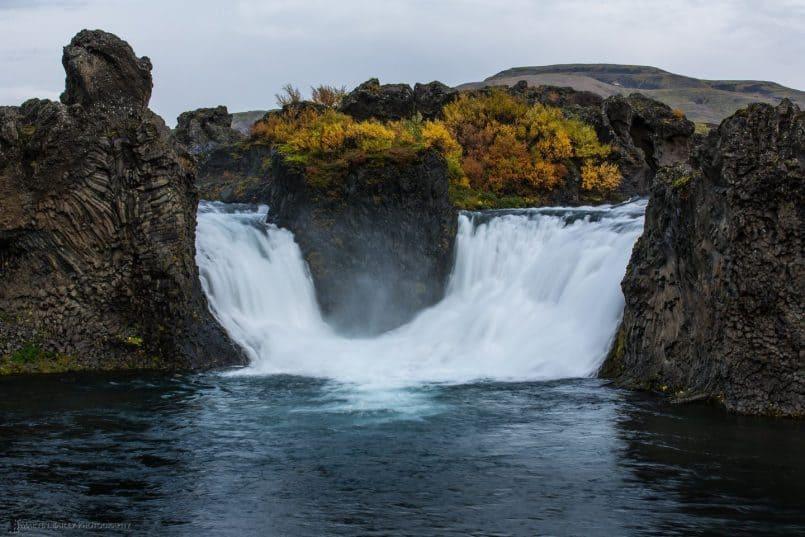 Hjálparfoss (Falls)
