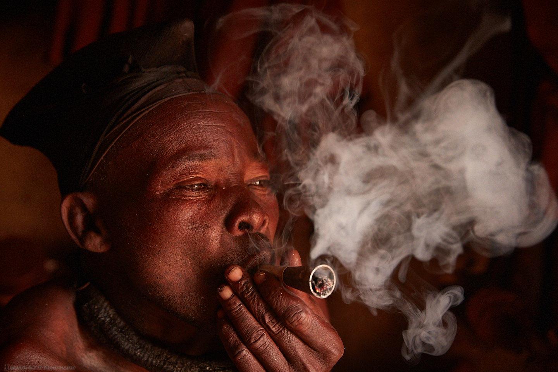"Himba Man ""Hideon"" Smoking"