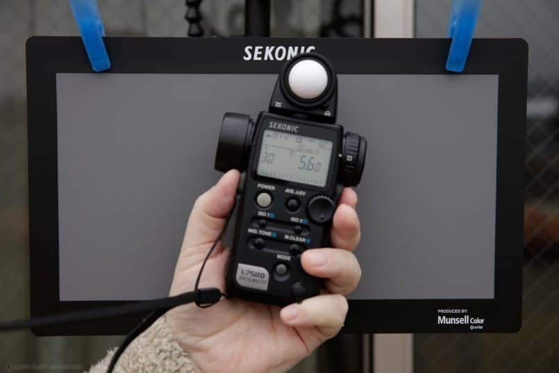 Sekonic L-758D Creating Profile - Metering the Light - Incident