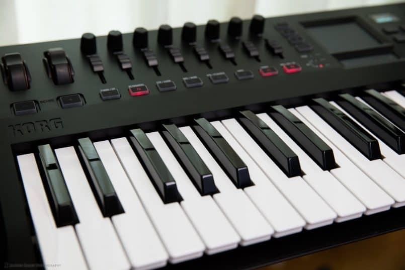 KORG Triton Taktile Keyboard/Synthesizer