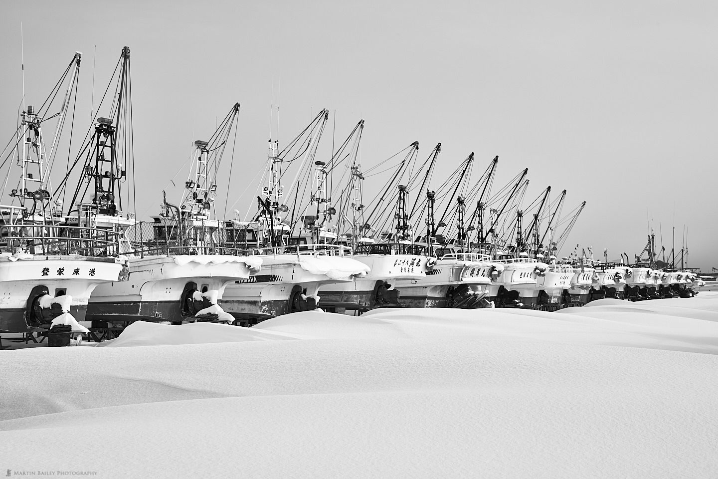 """Fishing Boats with Snow """"Fuumon"""" Wind Patterns"""