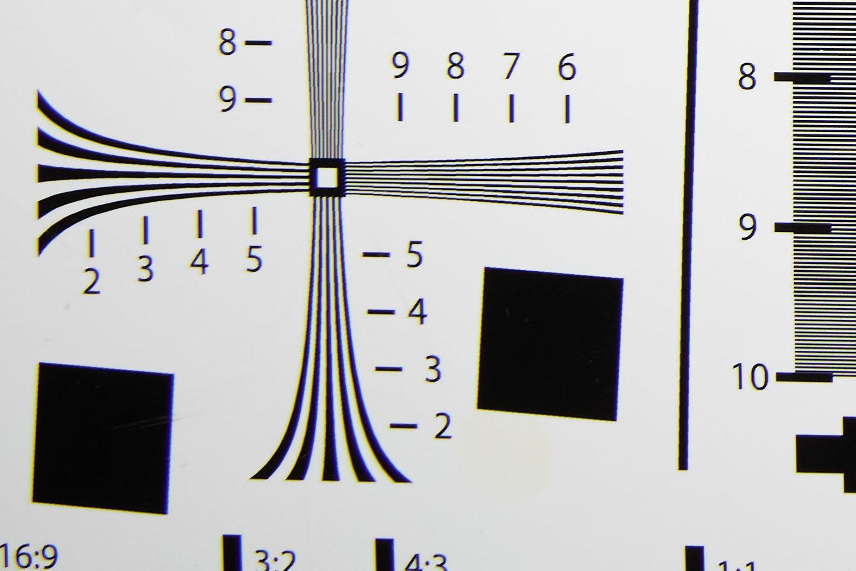 RF24-105mm @ 24mm f/5.6 Corner