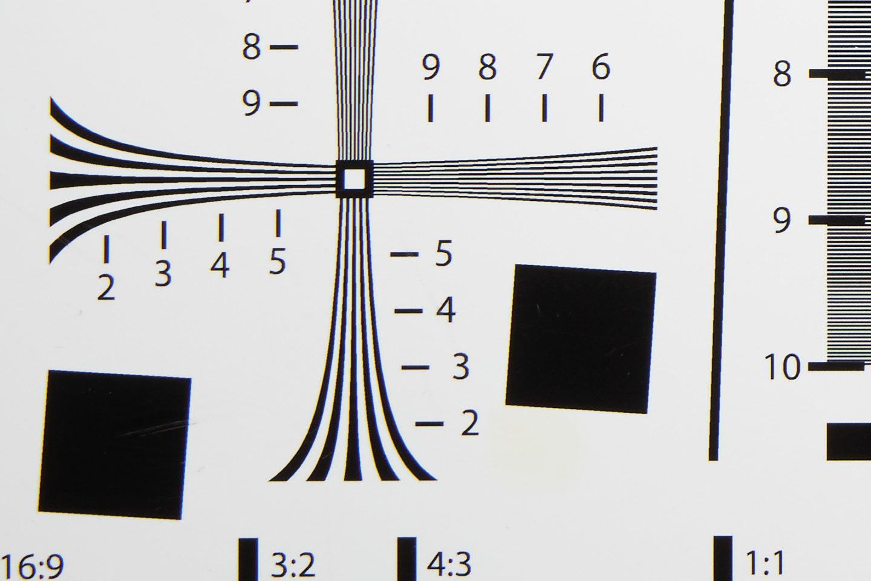 RF24-105mm @ 50mm f/11 Corner
