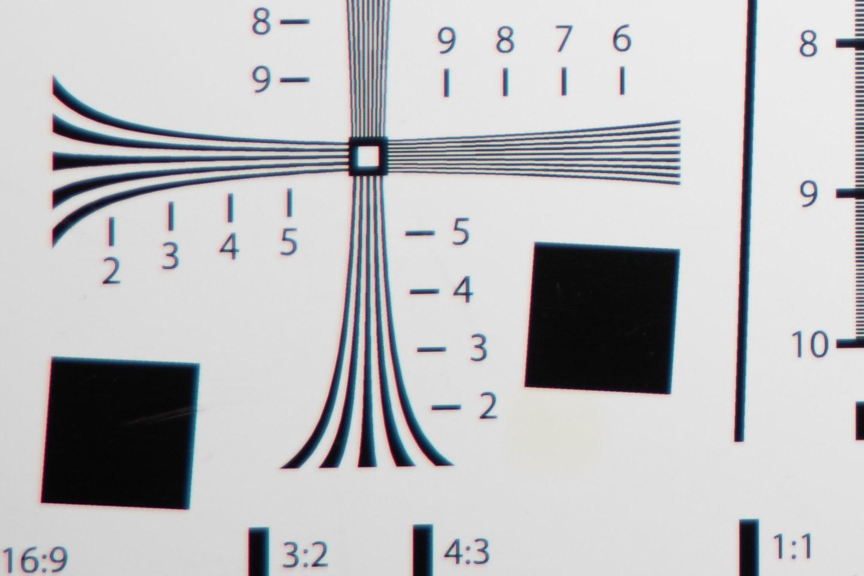 RF24-105mm @ 105mm f/4 Corner