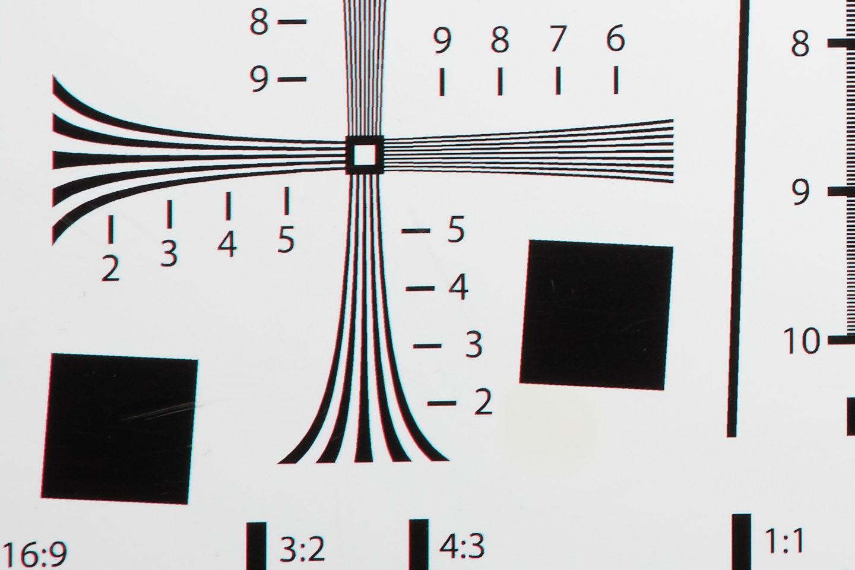 RF24-105mm @ 105mm f/11 Corner