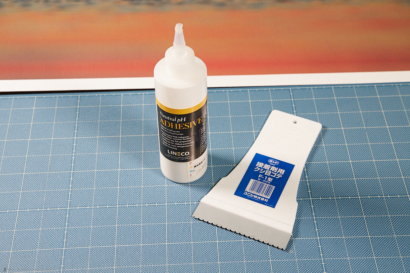 Archival Glue with Spreader