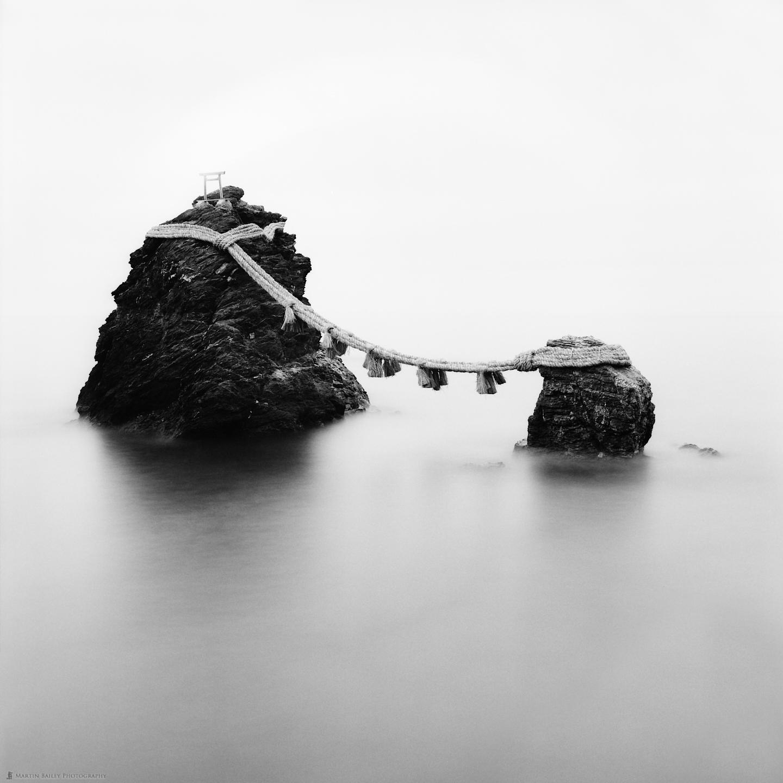 Meotoiwa (Couple Rocks)