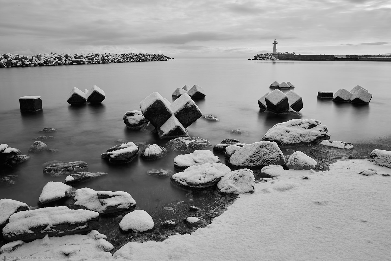 Snow, Rocks and Tetrapods