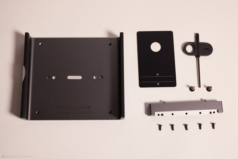Apple iMac VESA Mount Adapter Kit Contents